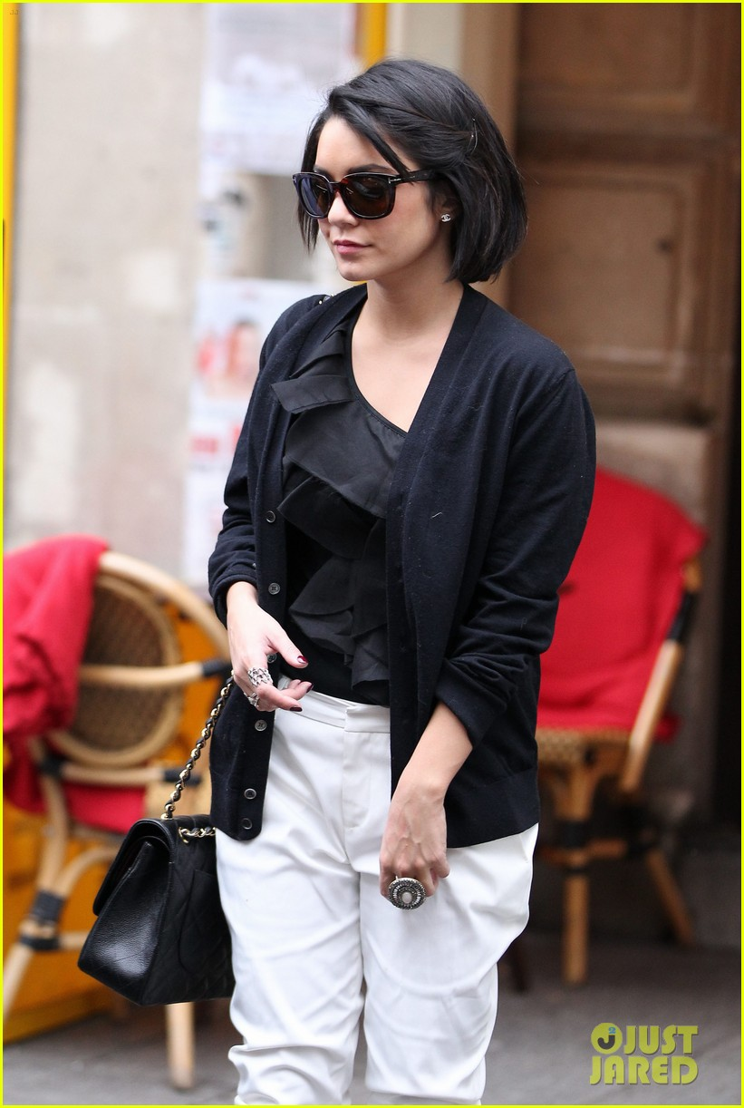 Vanessa Hudgens Chanel Shopper In Paris Photo 2628928 Vanessa Hudgens Pictures