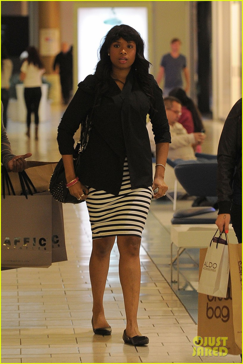 jennifer hudson shopping beverly center 11