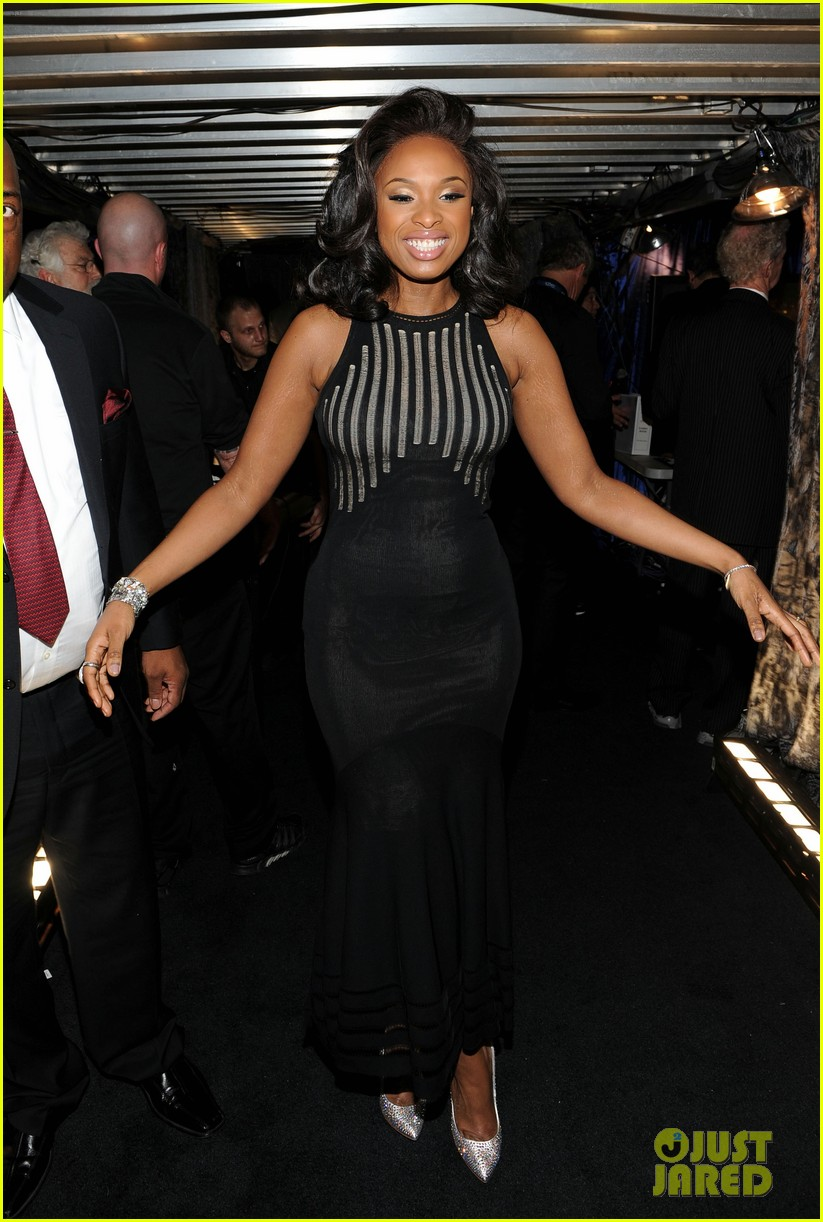 jennifer hudson whitney houston tribute grammys 05