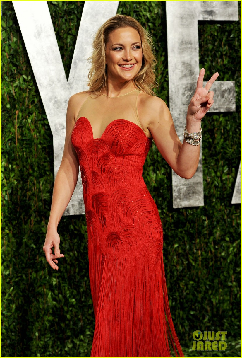 kate hudson vanity fair party 042634016