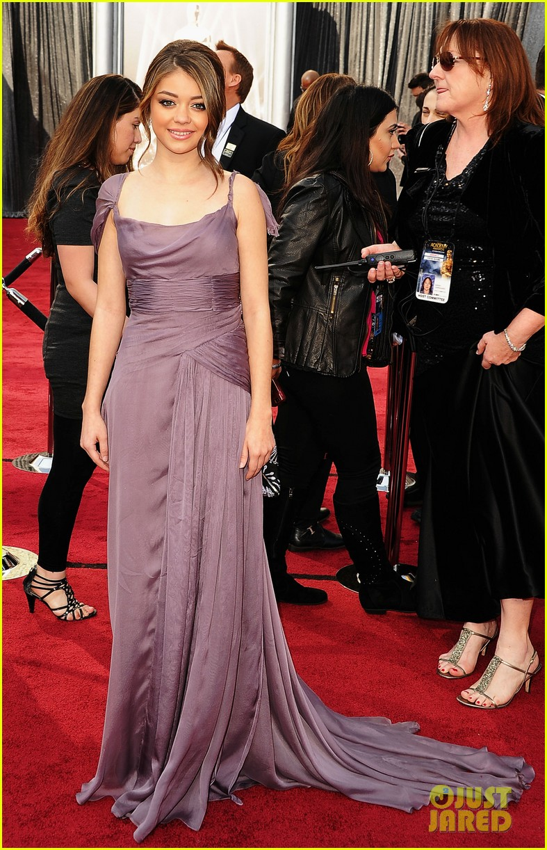 sarah hyland nick krause oscars 2012 red carpet 092633614