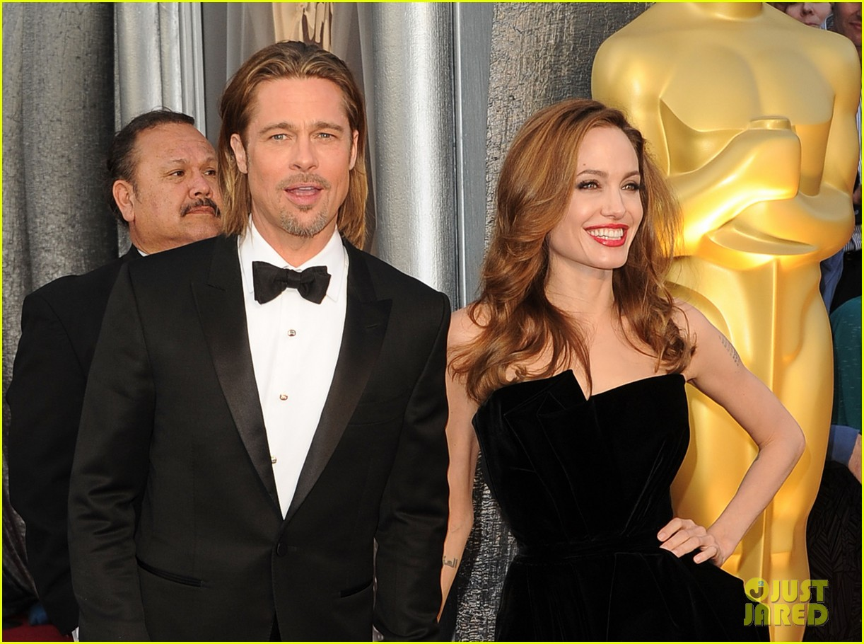 Brad Pitt & Angelina Jolie - Oscars 2012 Red Carpet: Photo