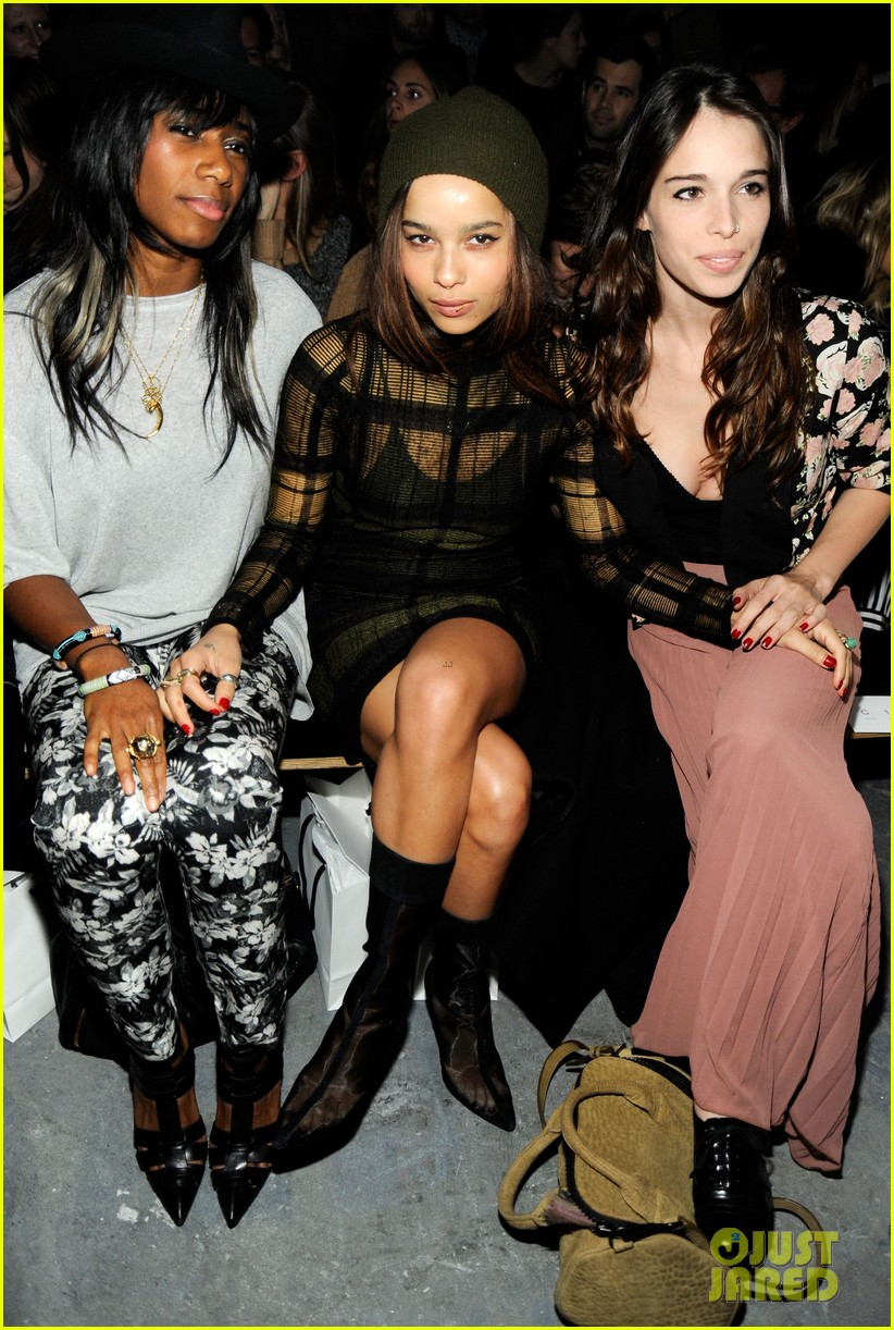 zoe kravitz fashion week cutie 042628827
