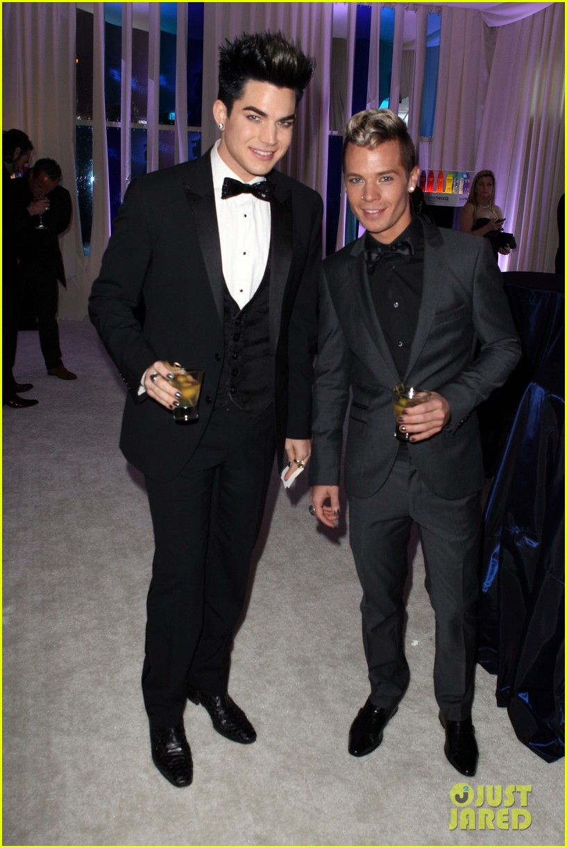 adam lambert oscars 2012 viewing party 01
