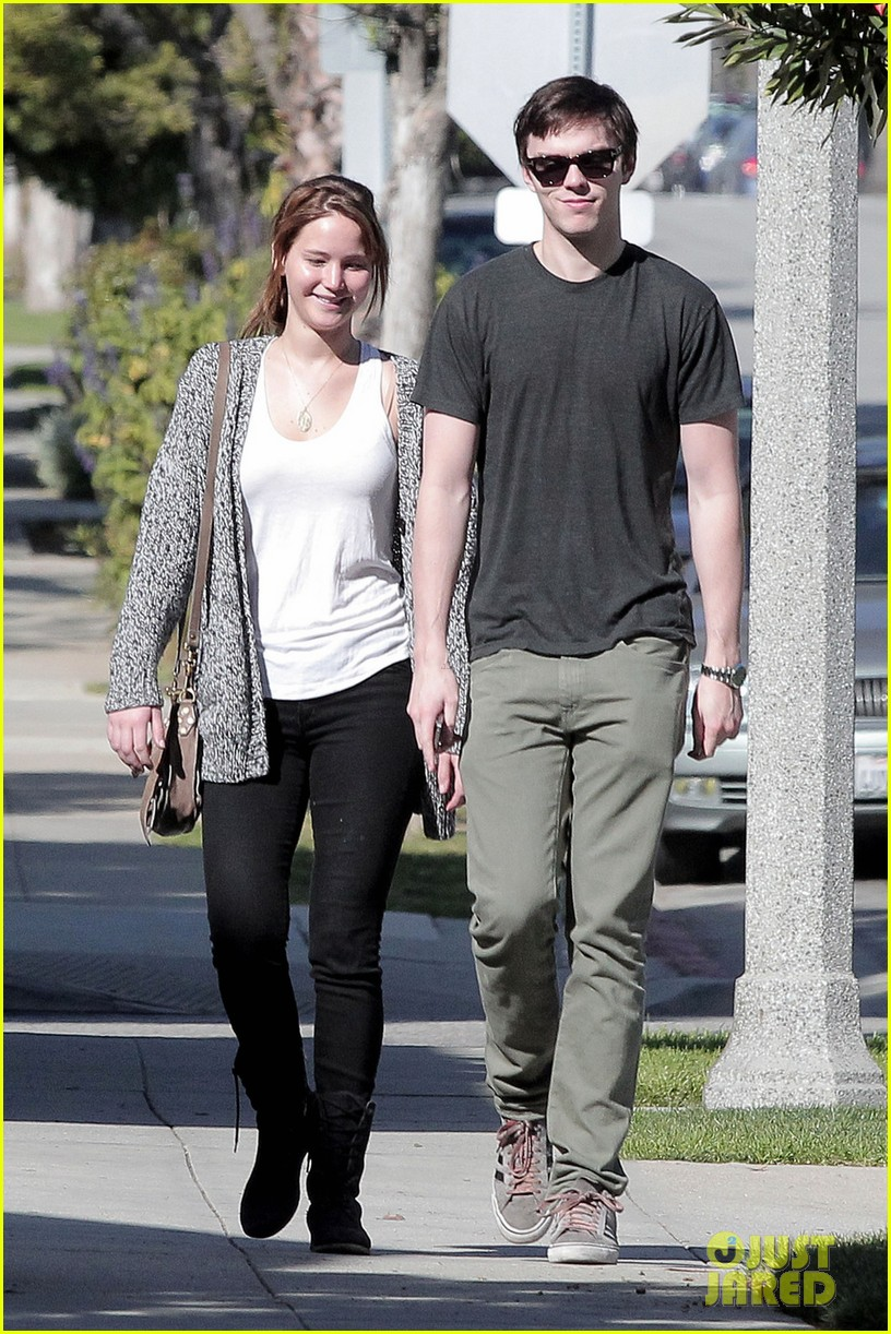 jennifer lawrence nicholas hoult out valentines day 052628968