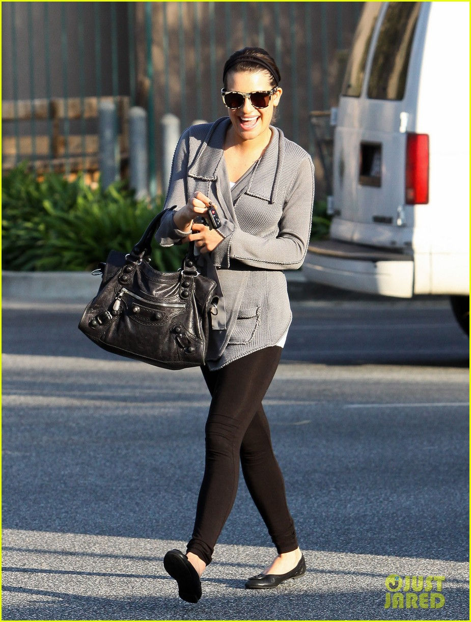 lea michele grocery gal 01