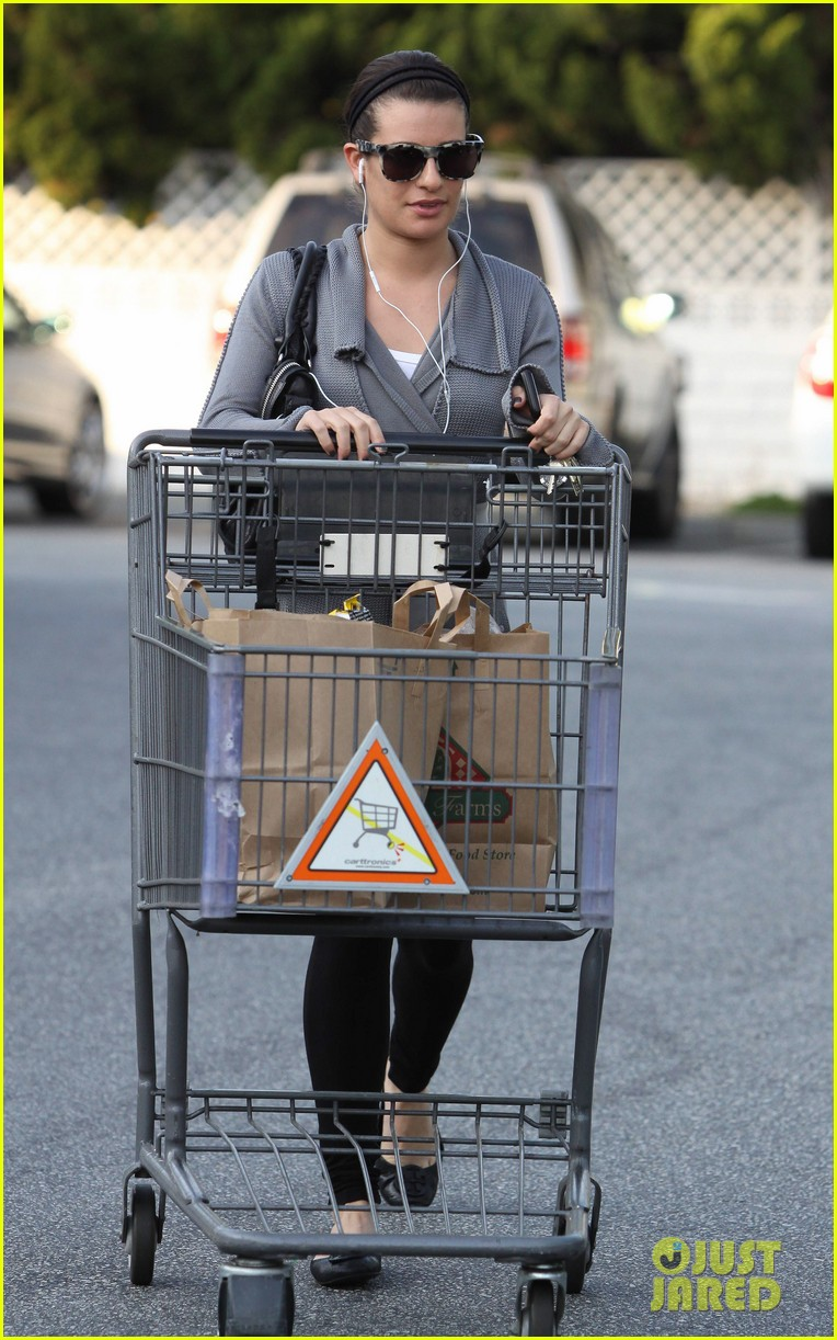 lea michele grocery gal 10
