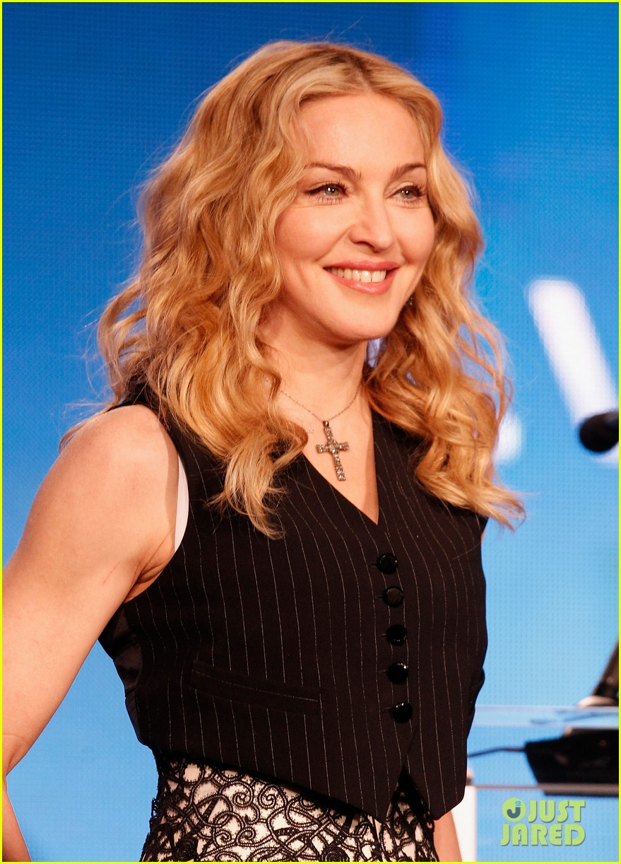 madonna super bowl press conference 04