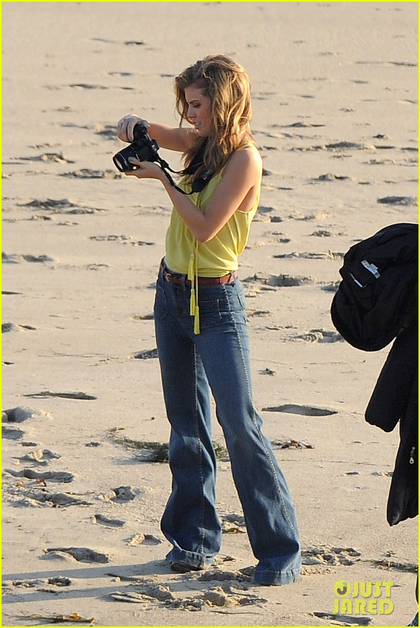 annalynne mccord takes pictures 052625056