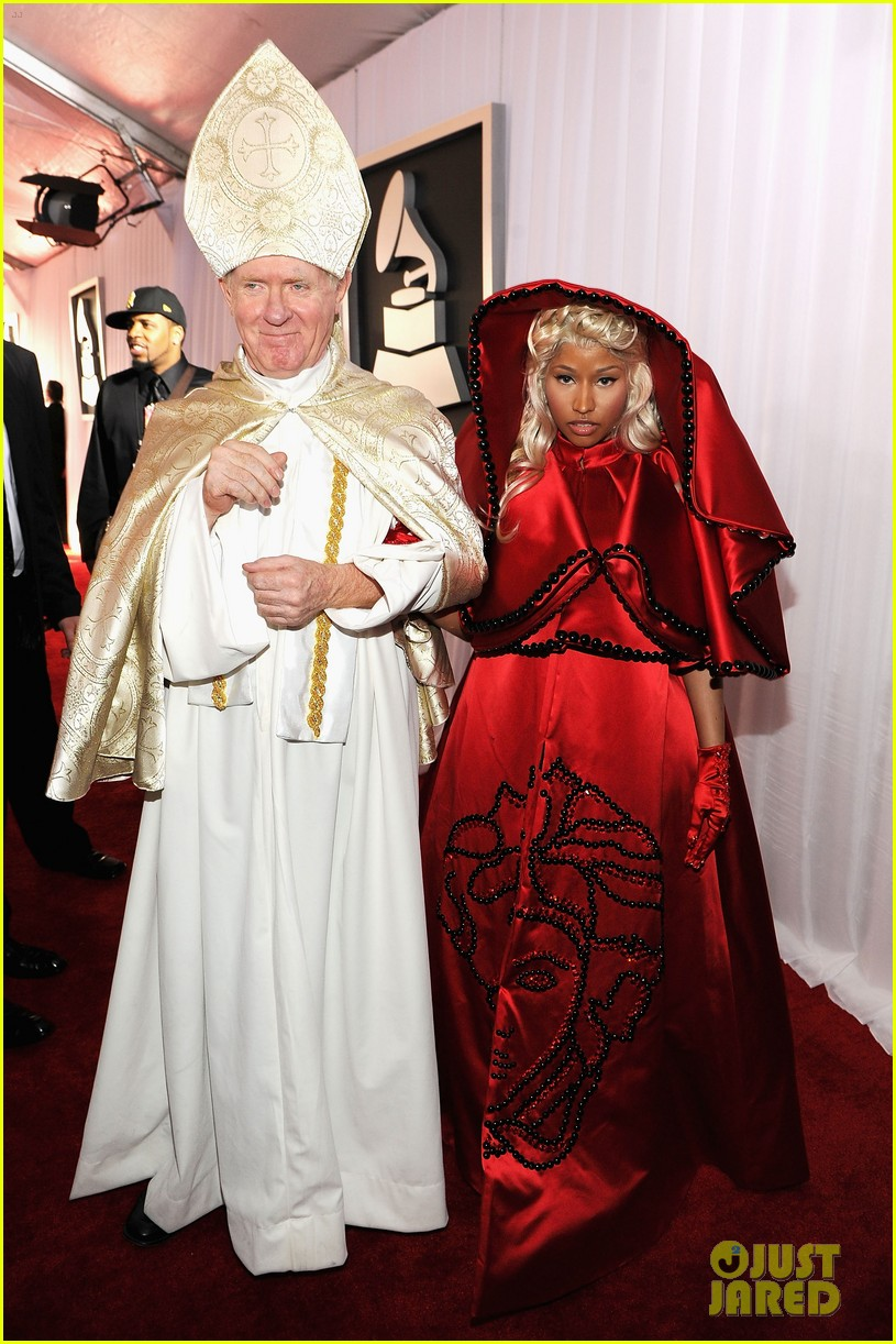 nick minaj grammy awards 2012 022628214
