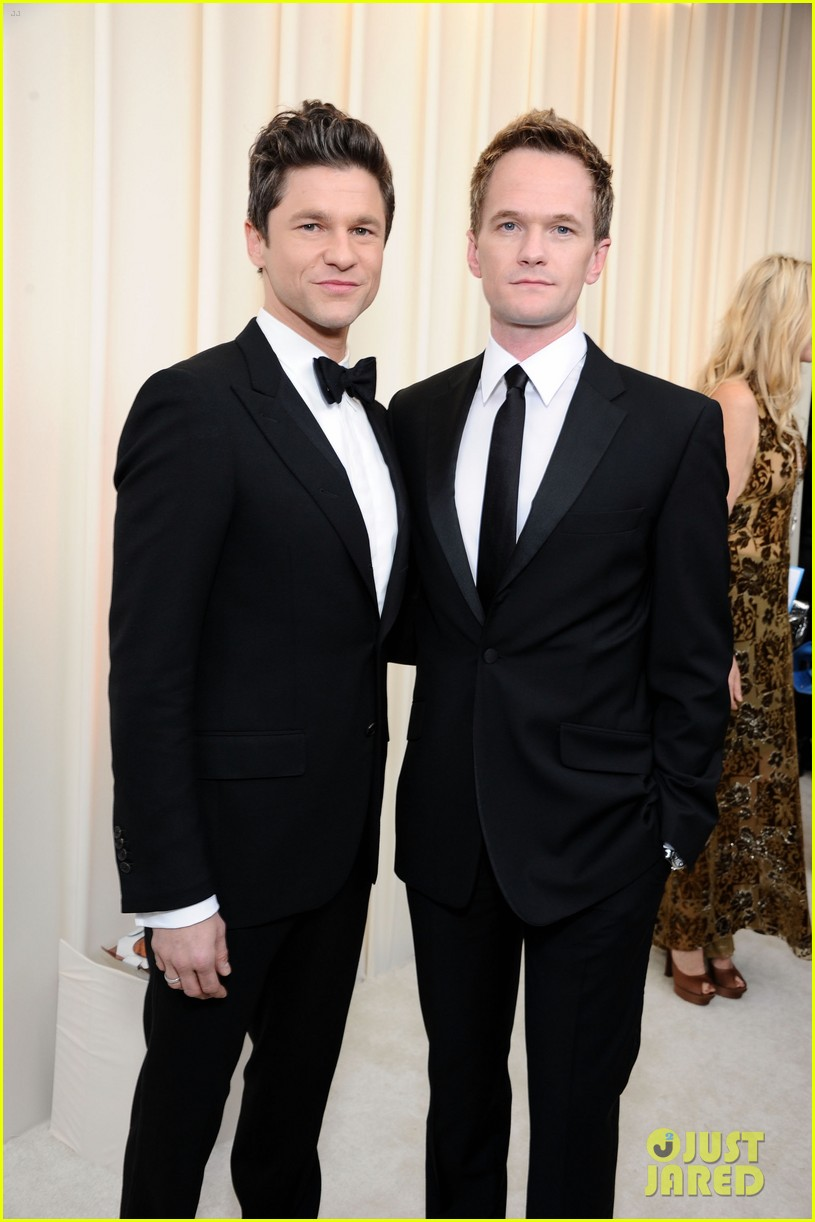 neil patrick harris david burtka elton john oscars party 01