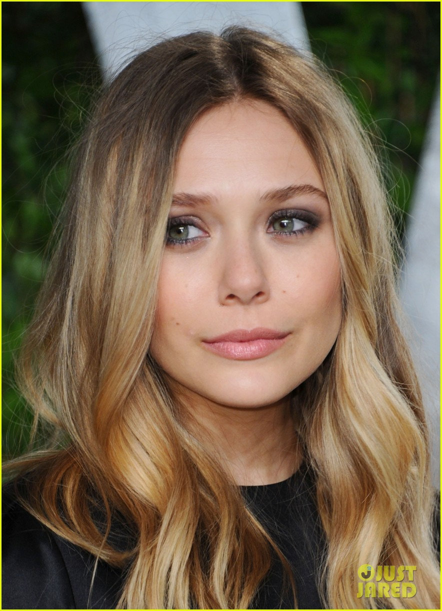 elizabeth olsen vanity fair oscar party 072633959