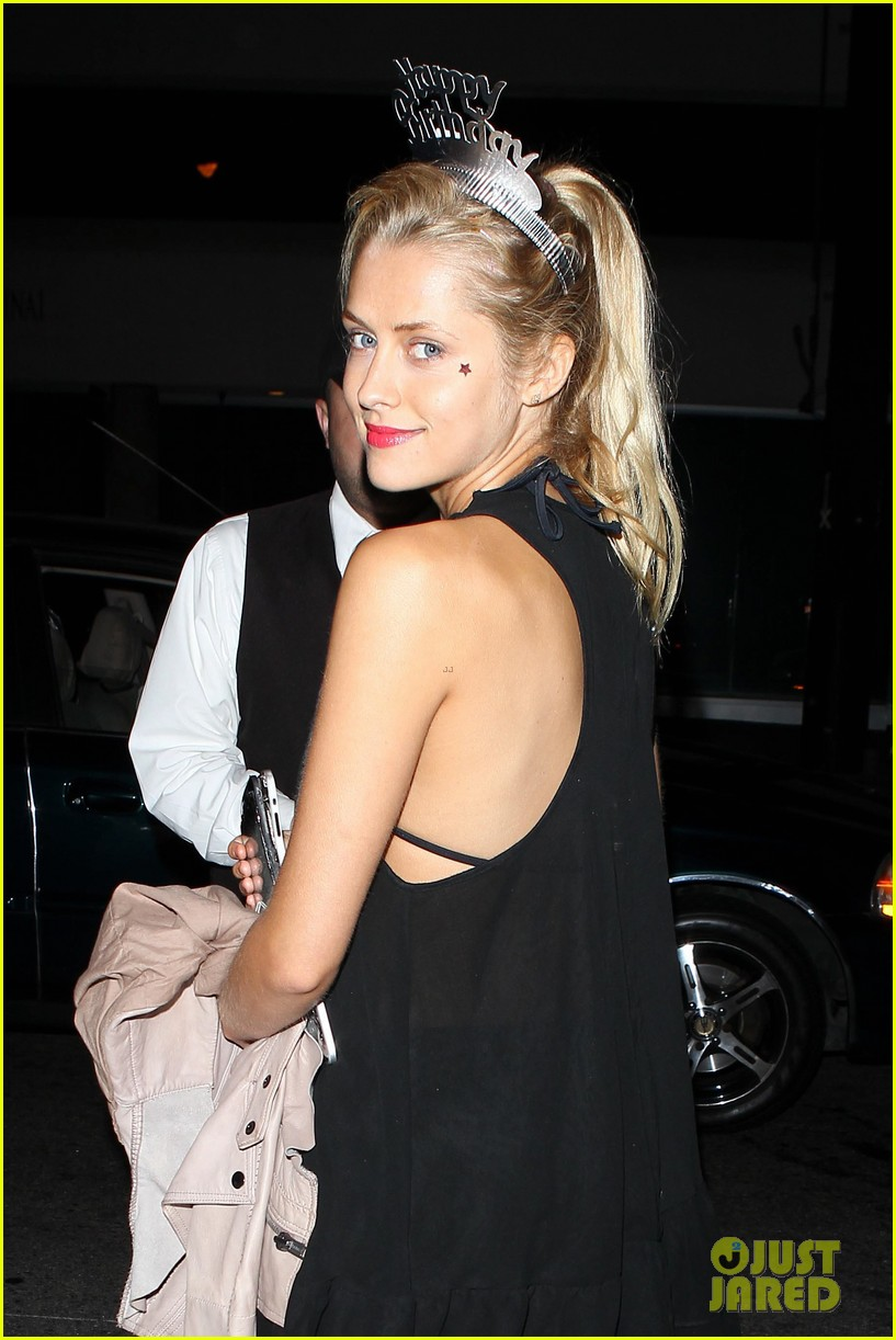 teresa palmer celebrates 26 birthday with rumer willis 07