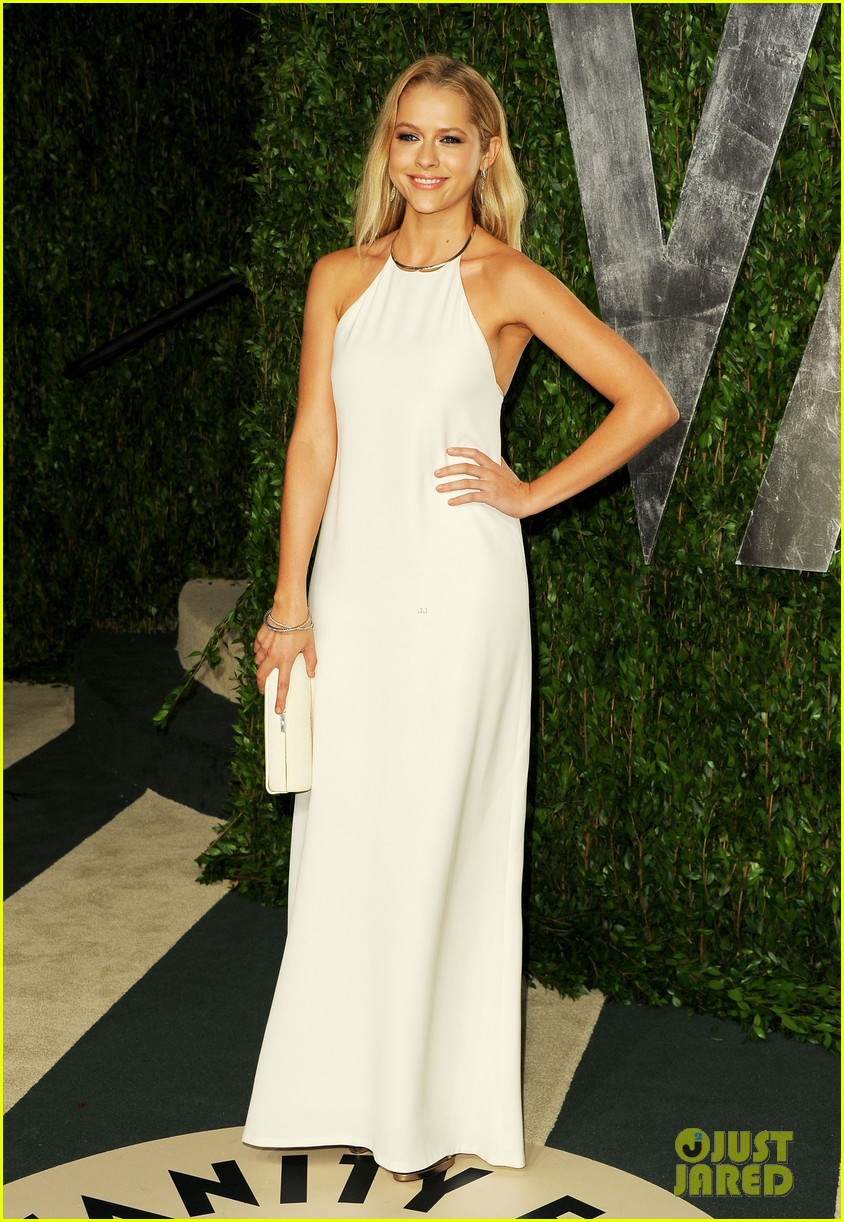 teresa palmer vanity fair oscar party 032634068