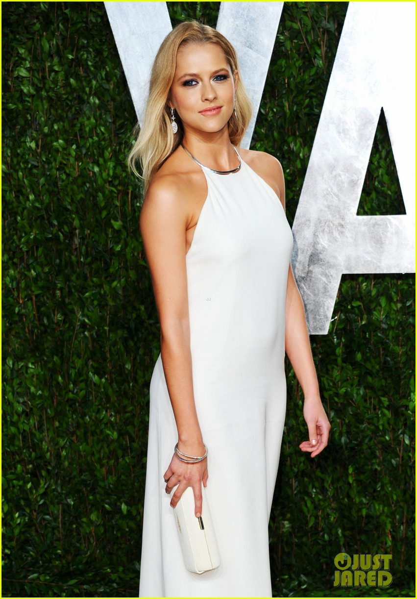 teresa palmer vanity fair oscar party 09
