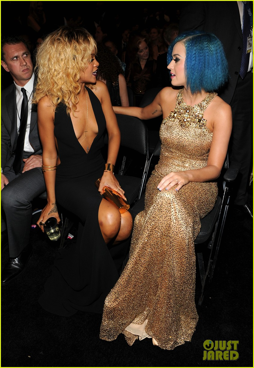 katy perry grammys golden gal 042628493