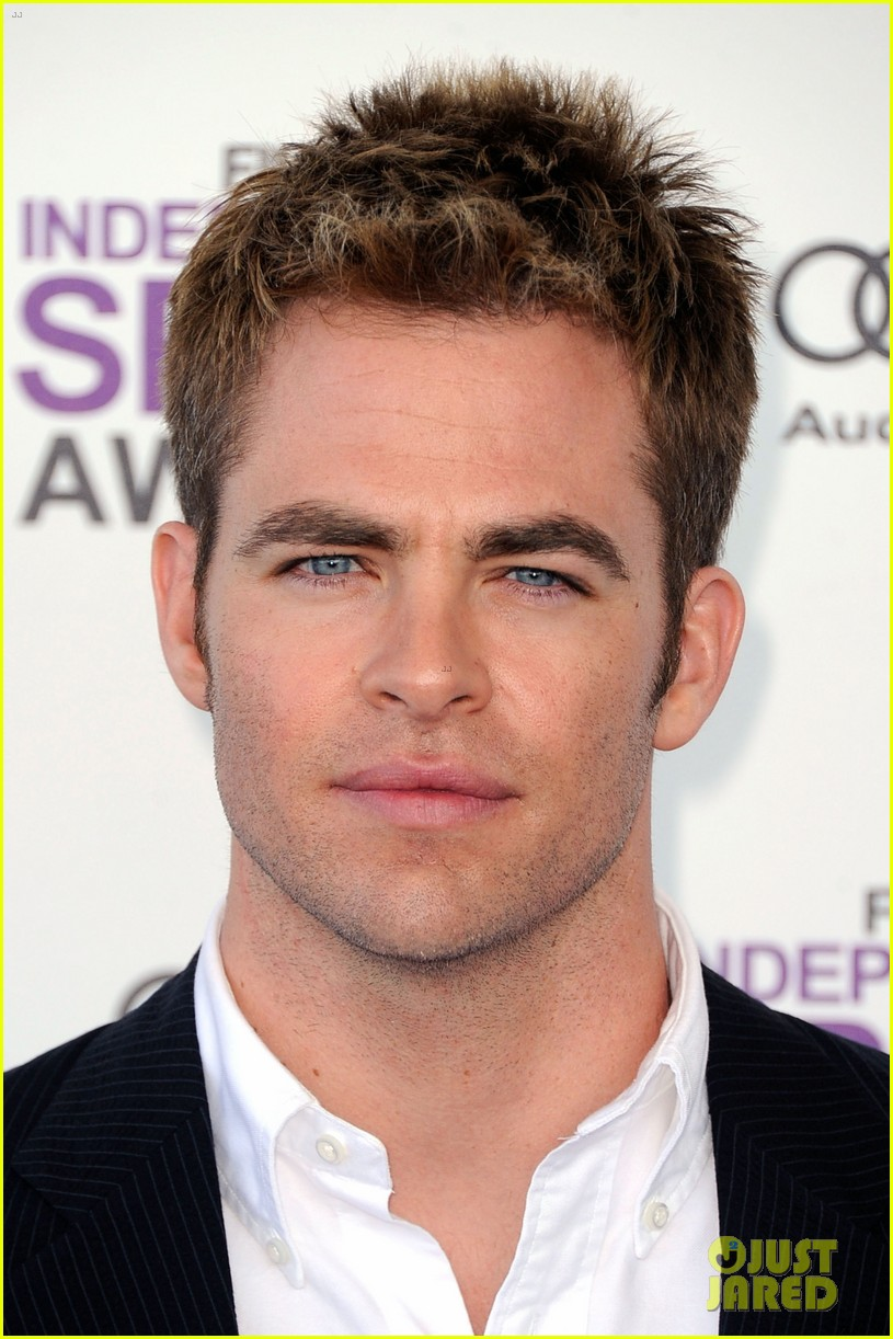 chris pine lucy liu spirit awards 2012 02