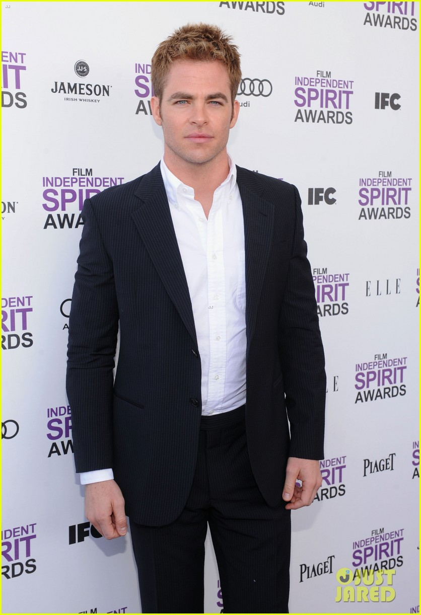 chris pine lucy liu spirit awards 2012 08