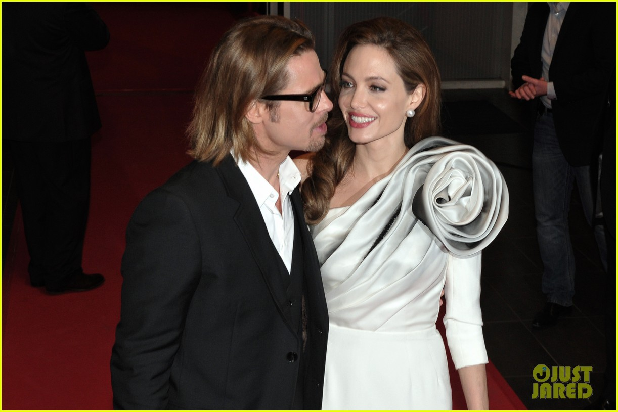 angelina jolie brad pitt blood honey paris premiere 032629815