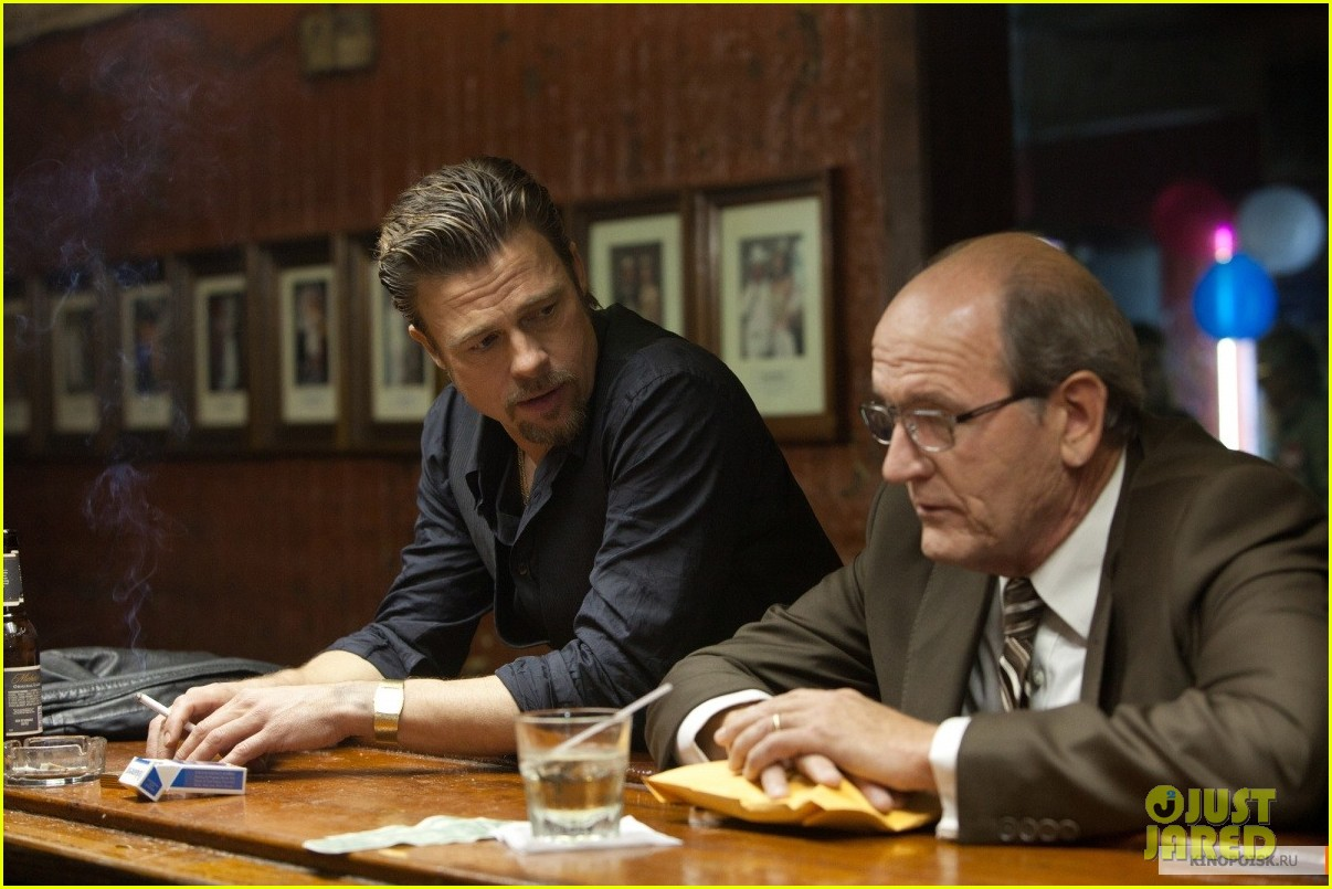 brad pitt cogans trade first look sarajevo angelina jolie 08
