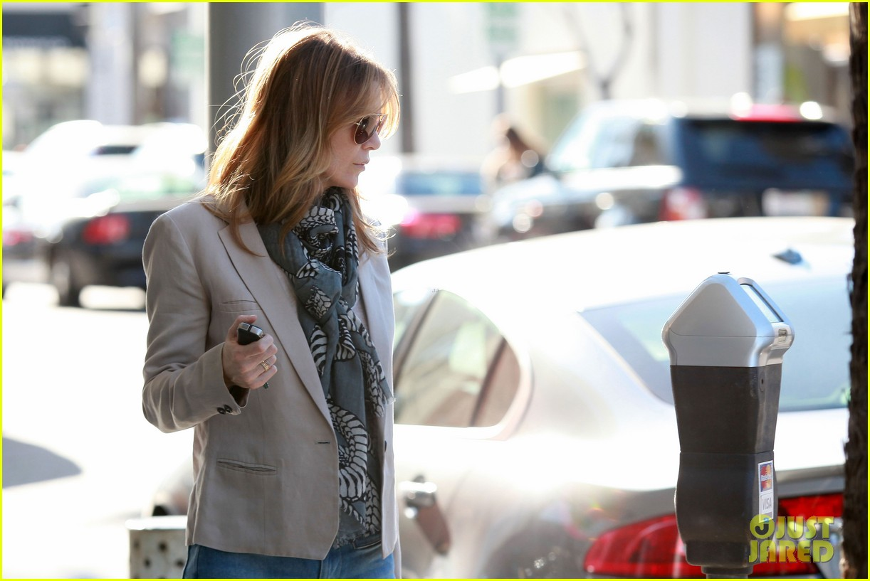 ellen pompeo office visit 062627076