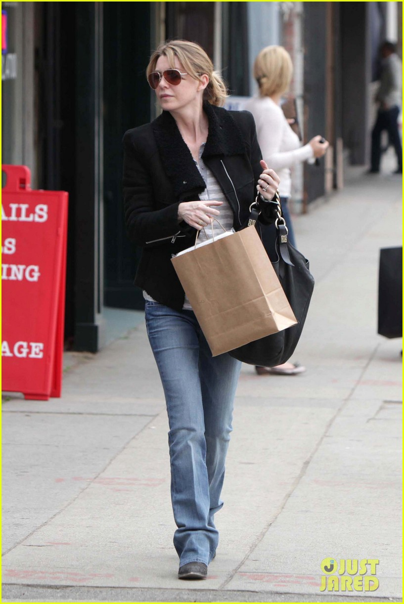 ellen pompeo tea shopping 03