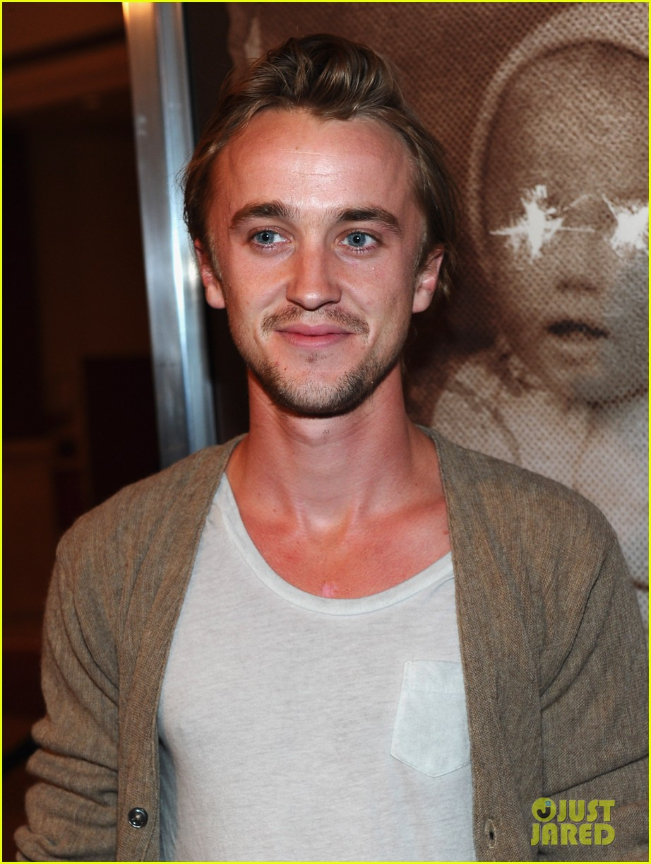 daniel radcliffe tom felton woman in black l a premiere 02