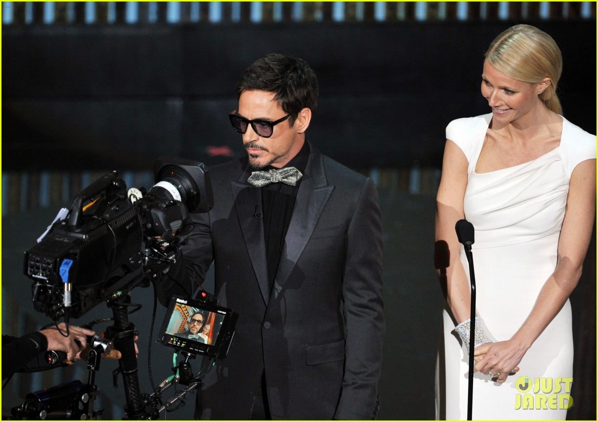 robert downey jr gwyneth paltrow oscars 2012 03