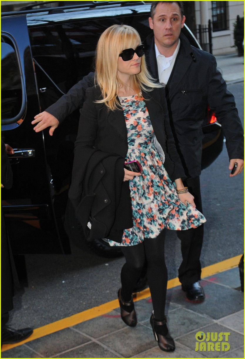 reese witherspoon hotel new york city 022628659