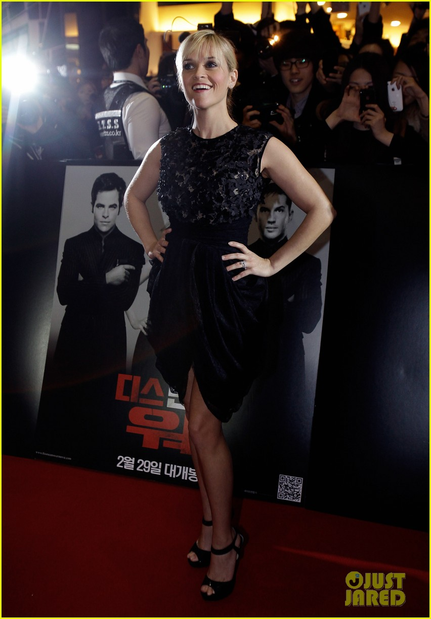reese witherspoon this means war seoul premiere 082632156