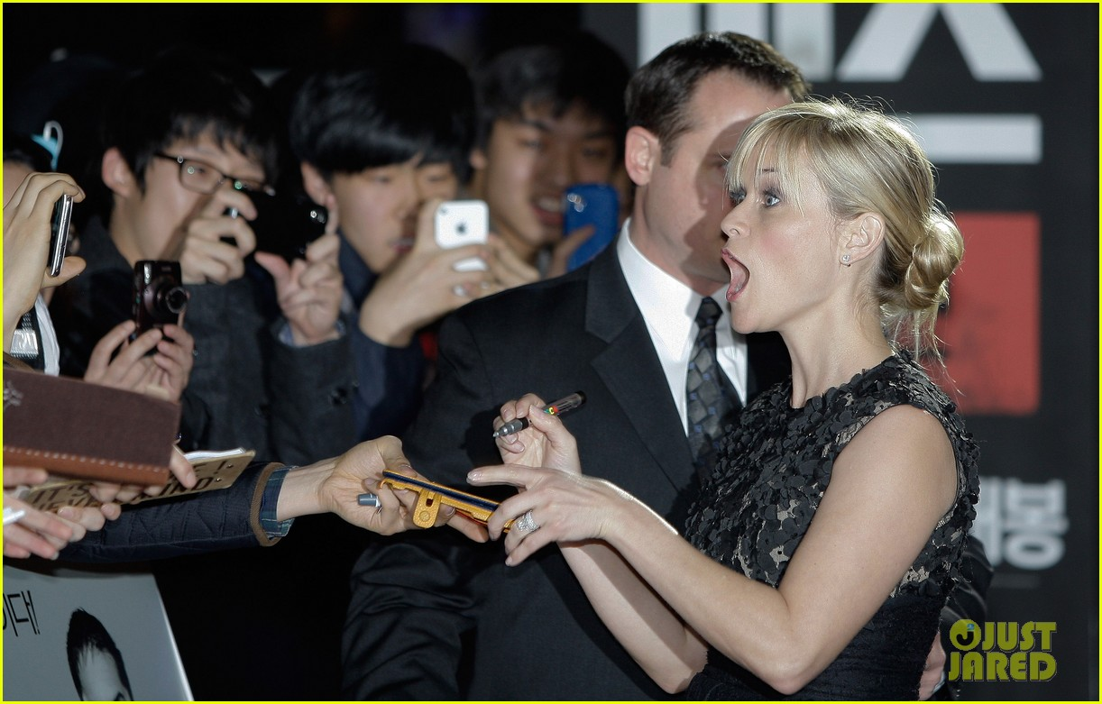 reese witherspoon this means war seoul premiere 102632158