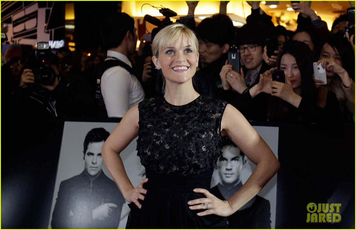 reese witherspoon this means war seoul premiere 142632162