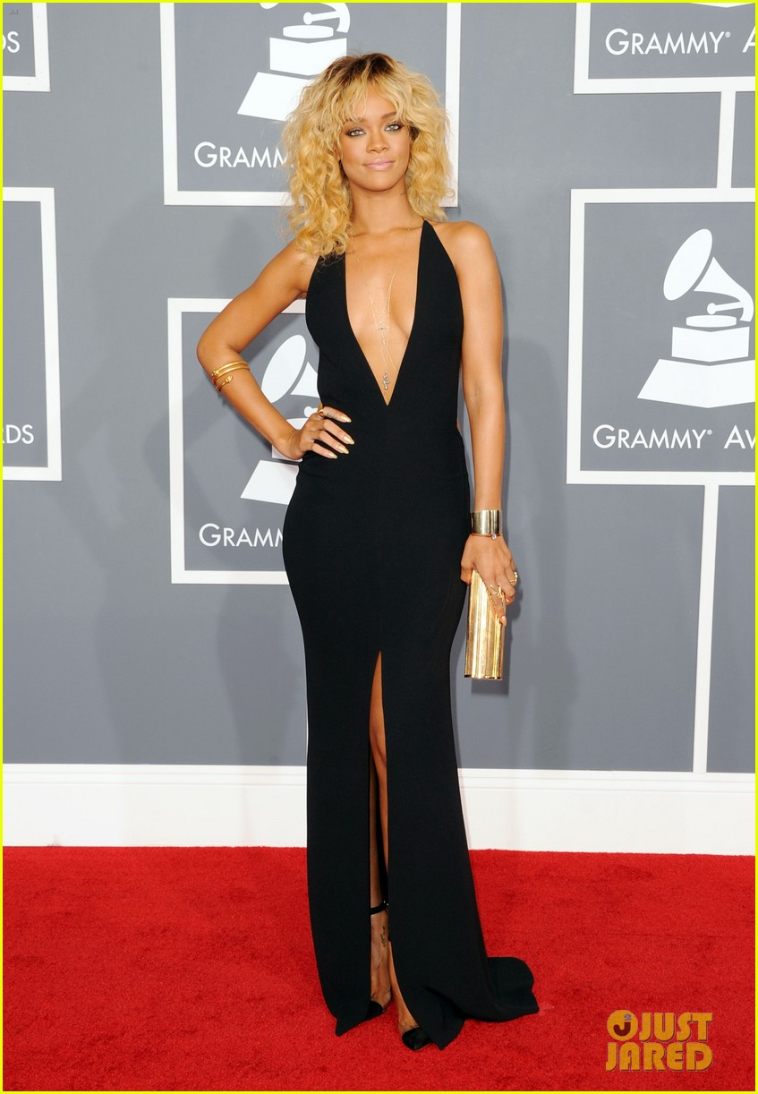 rihanna grammys 2012 red carpet photo 2628248 2012