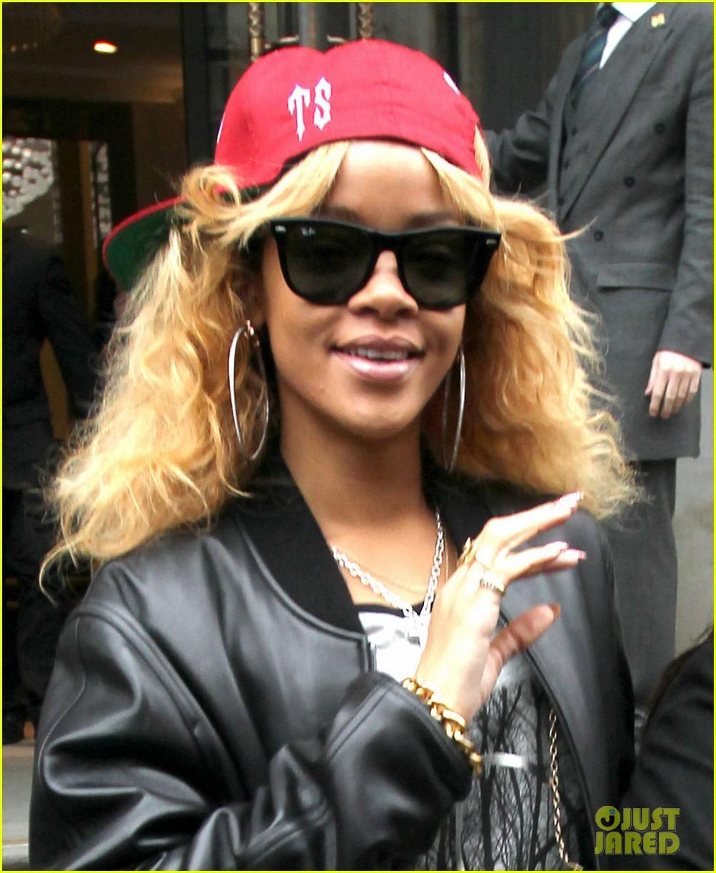 Talk That Talk Rihanna Rihanna 39 The Road to Talk