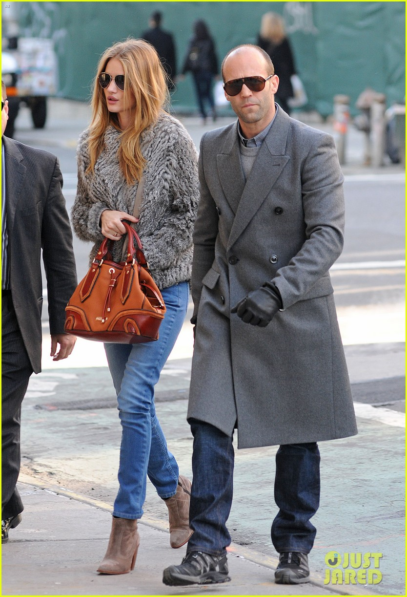 rosie huntington whiteley jason statham soho apartment hunt 00