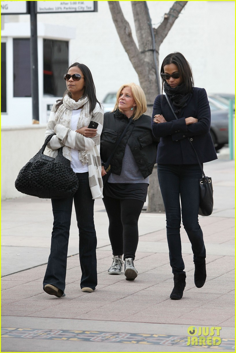zoe saldana movies bradly coopers mom 132630935