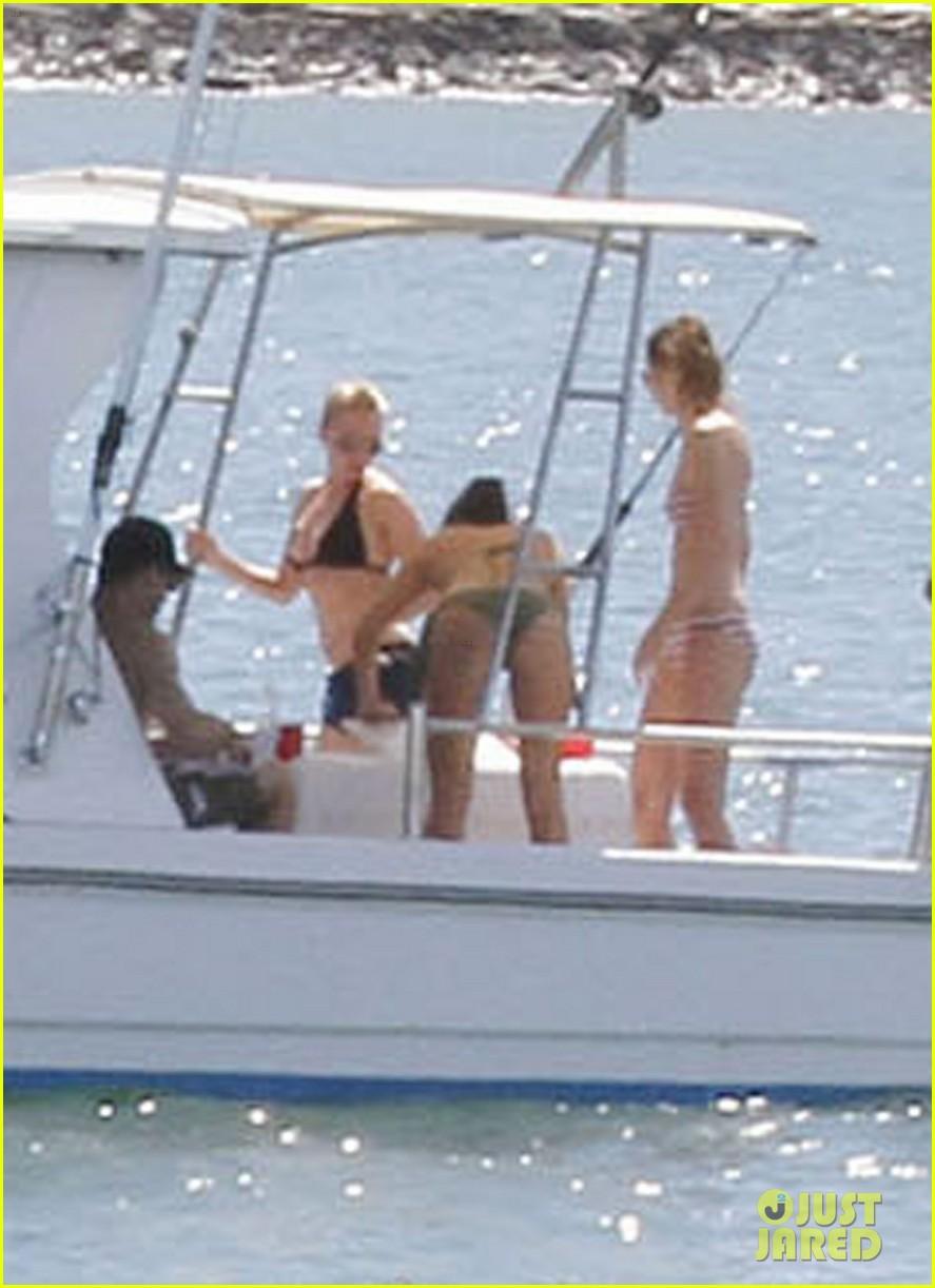scarlett johansson bikini nate naylor valentines day 042629328