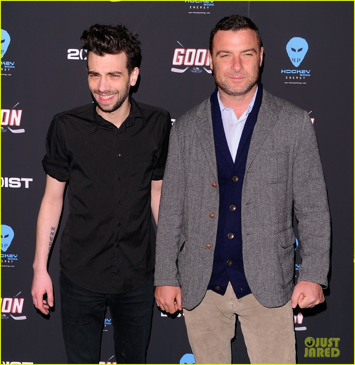 liev schreiber seann william scott goon new york premiere 022632476
