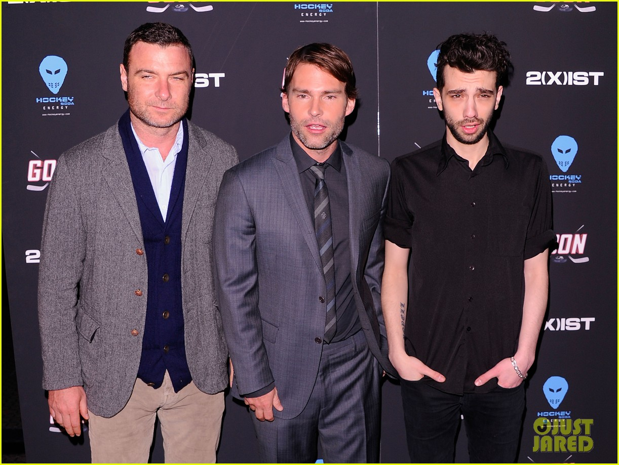 liev schreiber seann william scott goon new york premiere 042632478