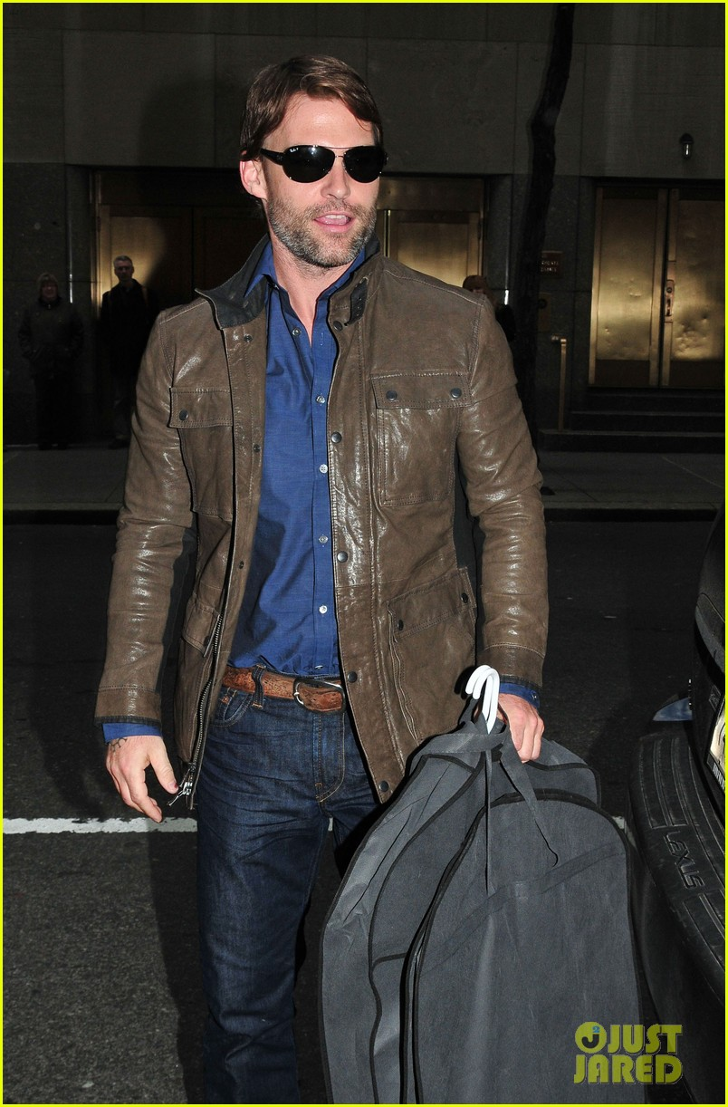 seann william scott late night with jimmy fallon visit 012634351