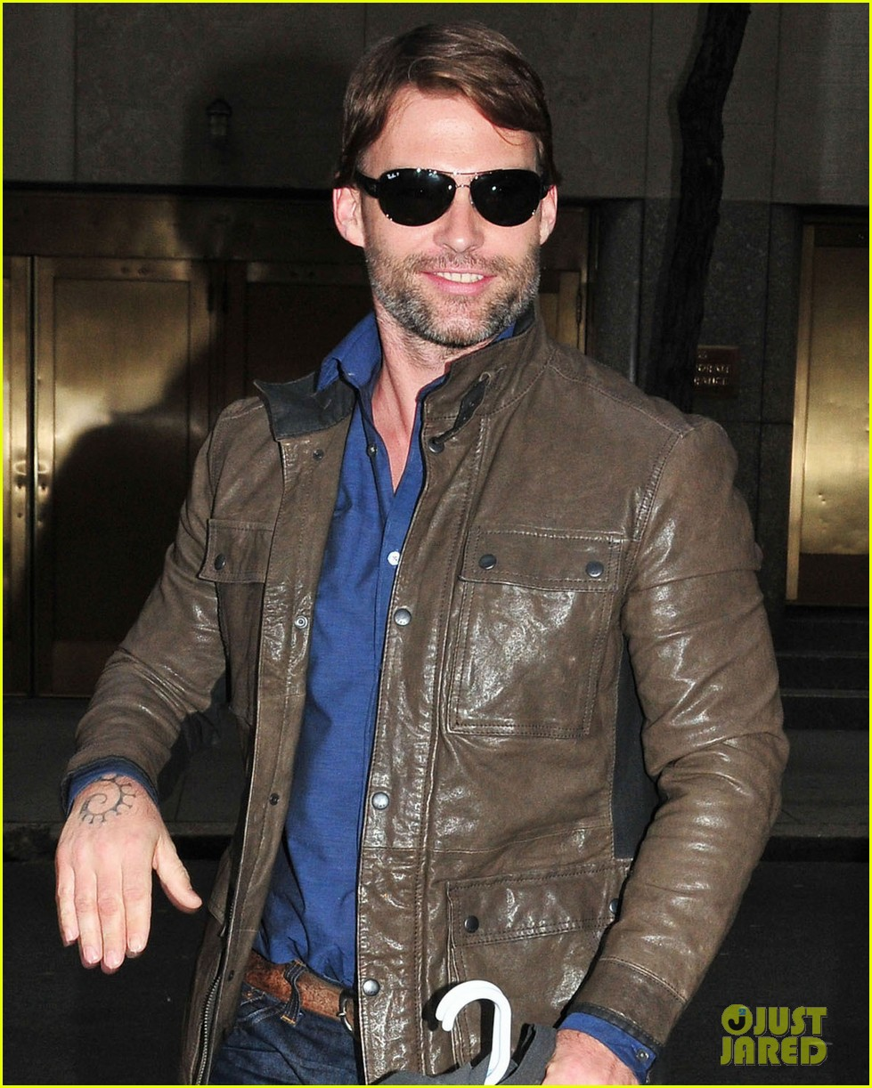 seann william scott late night with jimmy fallon visit 022634352