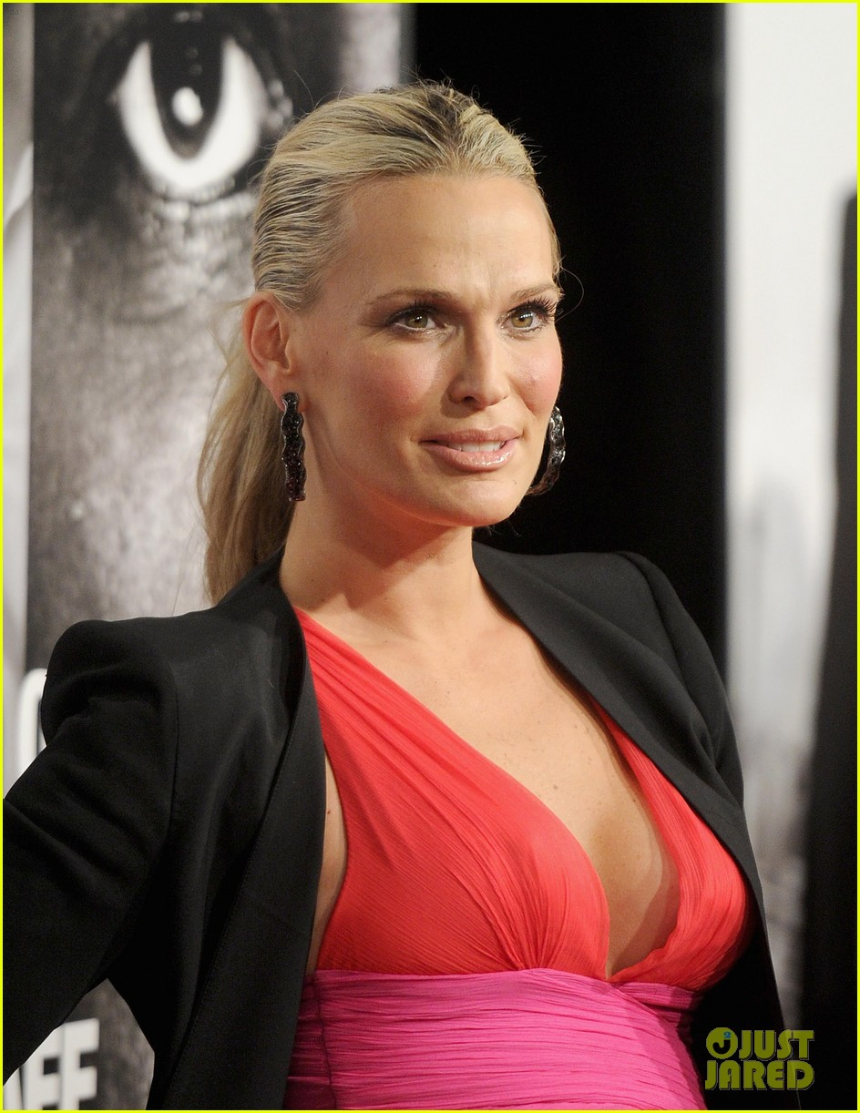 molly sims safe house premiere 032626460