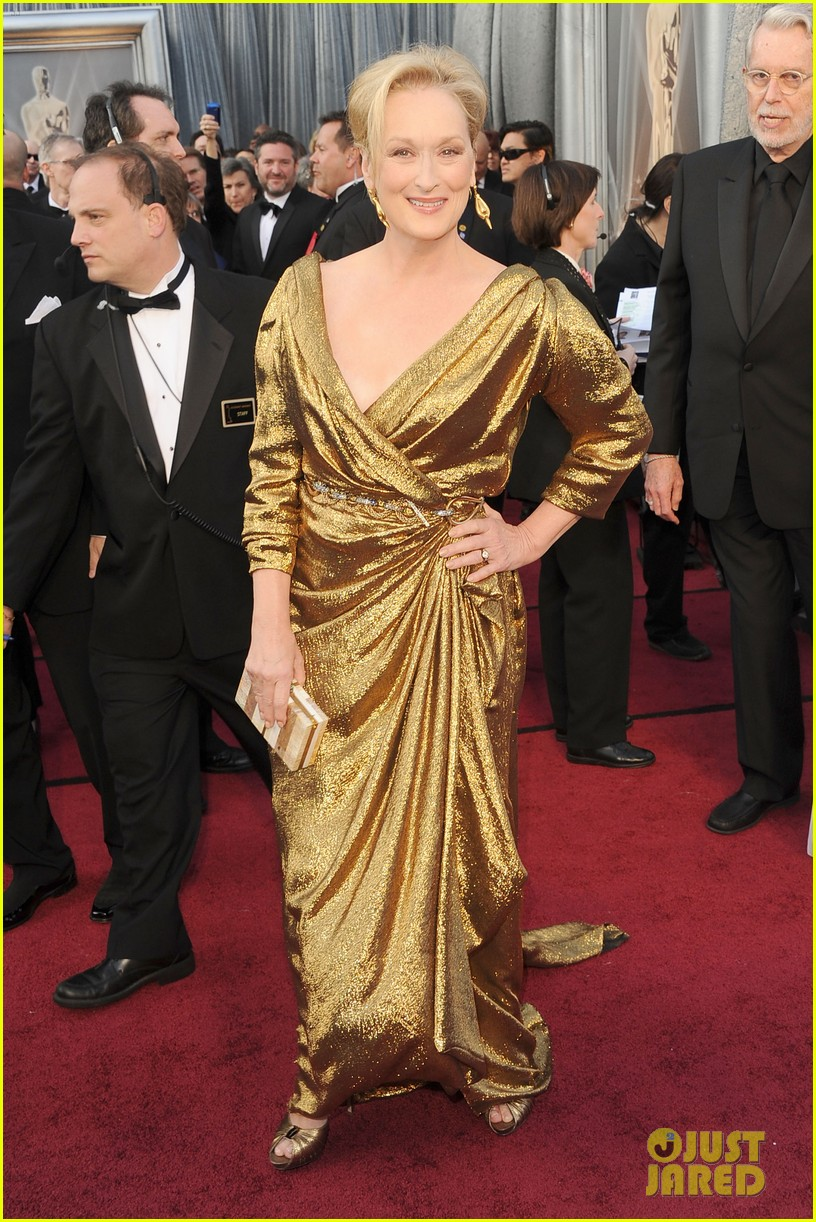 meryl streep oscars 2012 red carpet 04
