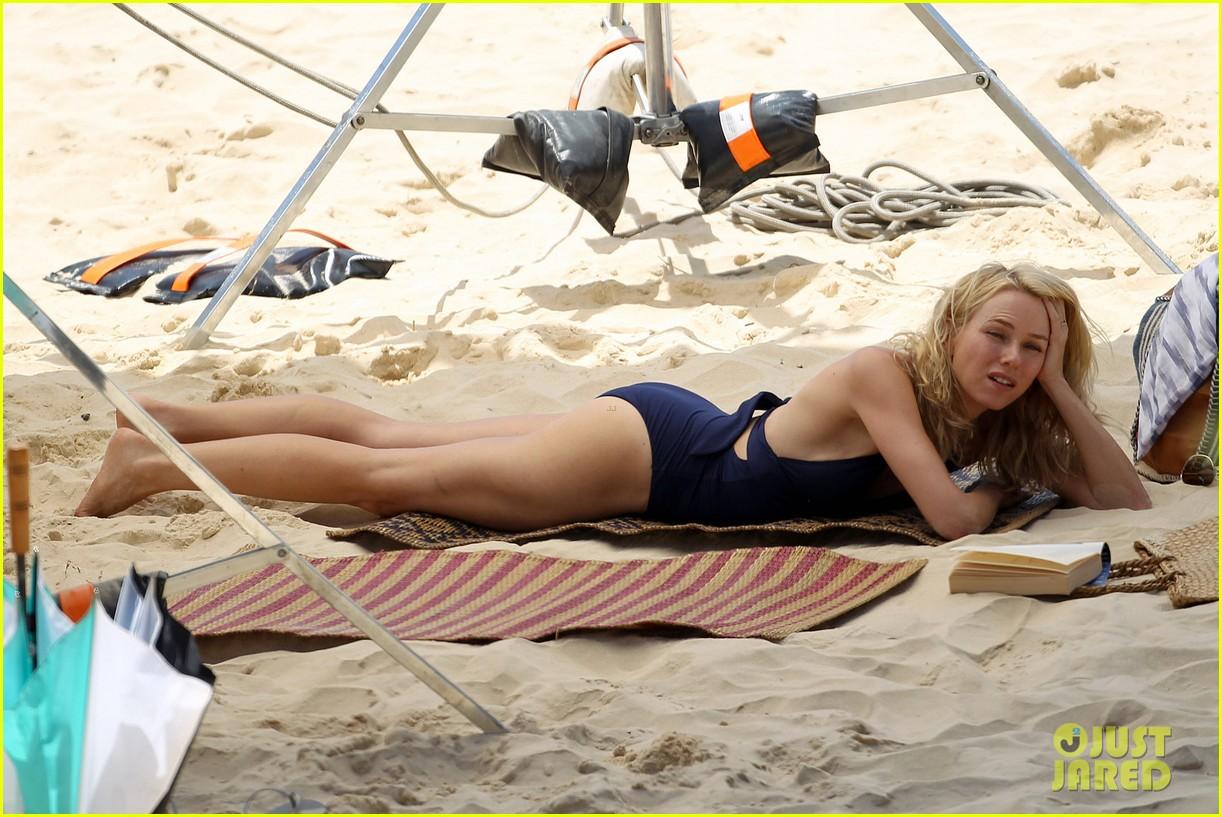 naomi watts beach filming 052627434