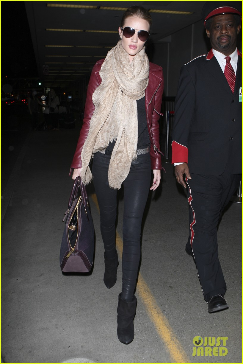 rosie huntington whiteley lax with jason statham 102632459