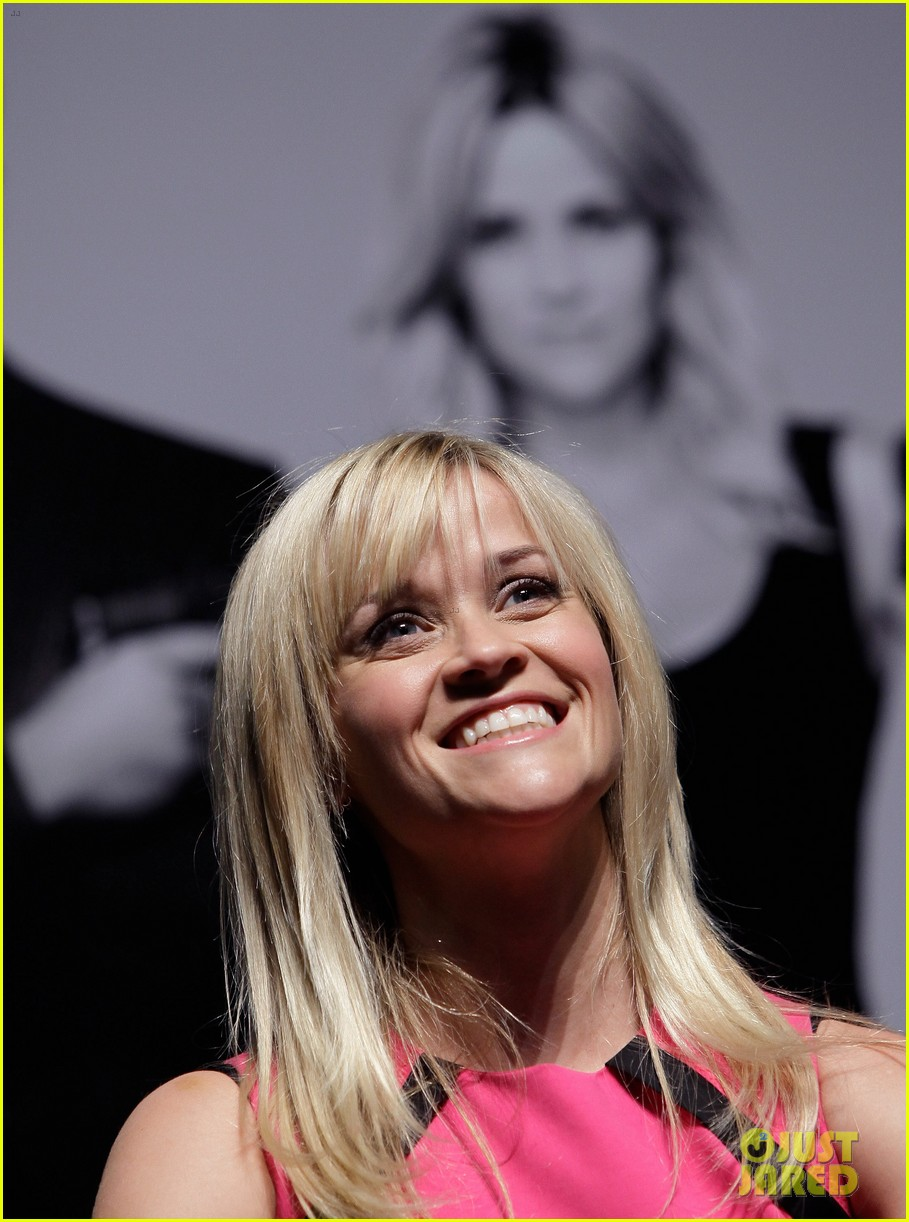 reese witherspoon war seoul press conference 012632032