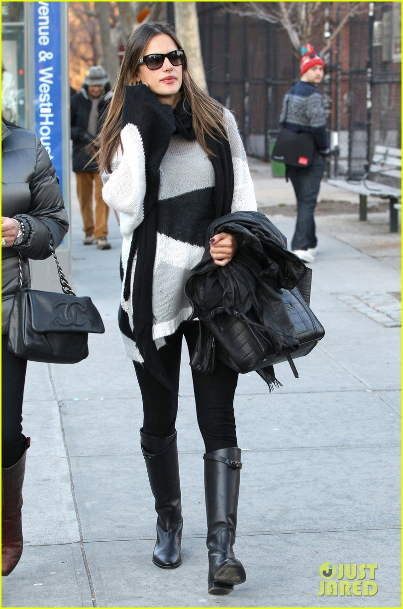 alessandra ambrosio pitti lunch 012635830