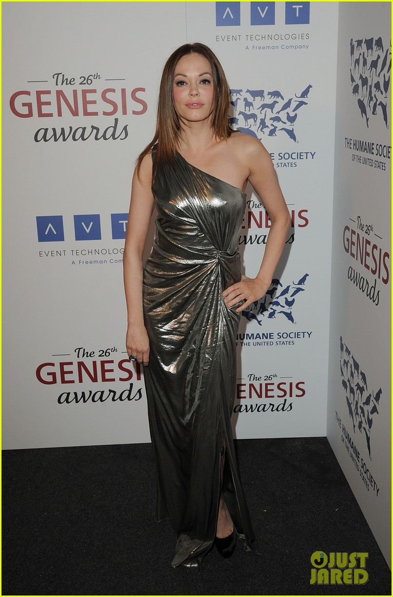 sophia bush kesha genesis awards 03