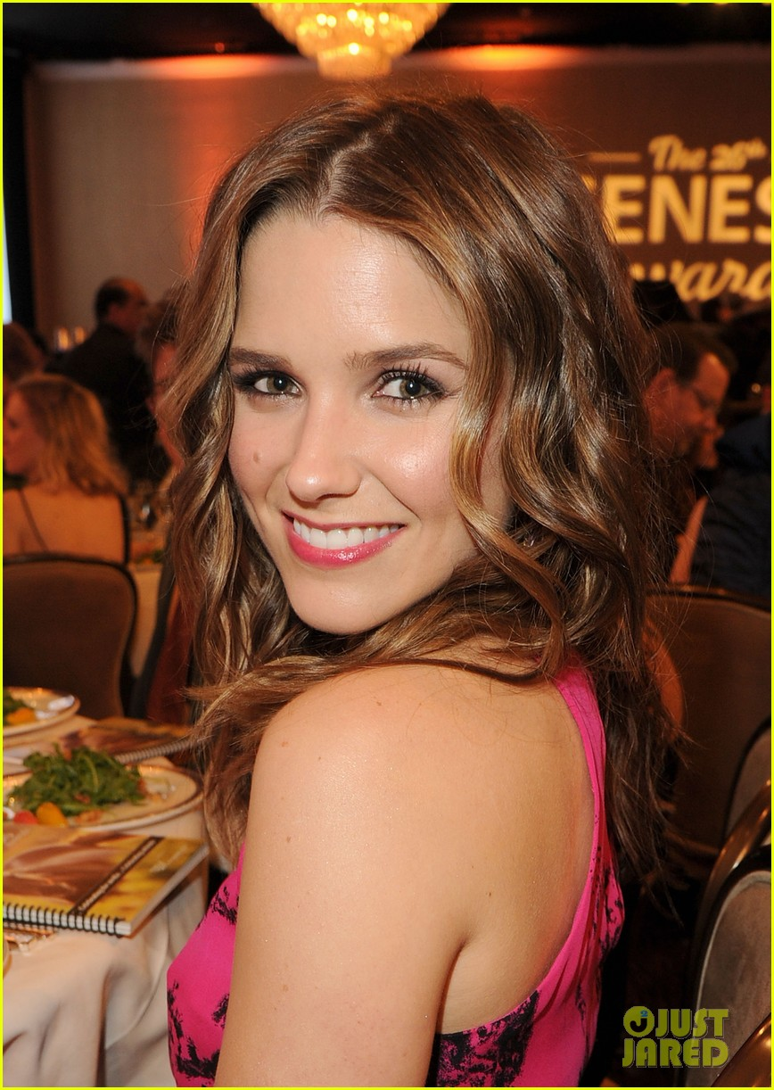 sophia bush kesha genesis awards 072642474