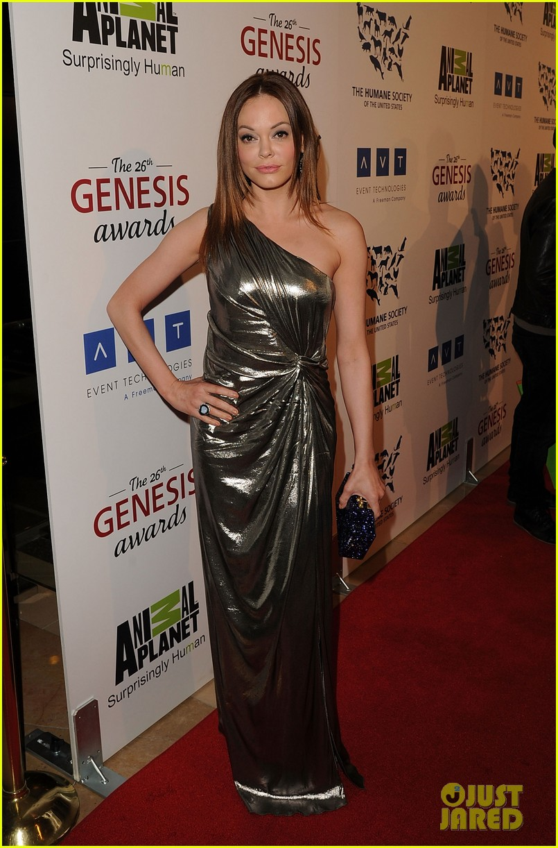 sophia bush kesha genesis awards 082642475